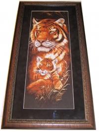 """Картина """"Тигрица"""", фото 1. Вышивка оформлена в багет"""