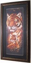 "Вышивка ""Тигрица"", картина оформлена под стекло."